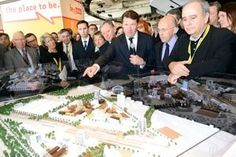 #Métropole #Nice Côte d'Azur: 1st « Métropole » in France.  At #Mipim, #Nice was presenting its town of tomorrow, and Mr #Estrosi, unveiling the name of the winner (Christian Devillers) of the techno-cluster Nice-Méridia project urban management.