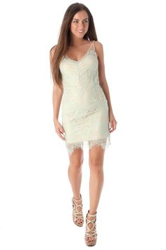 Q2 Green Lace Body-Conscious Dress