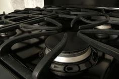 How to Clean the Tops of the Cast Iron Grates on a GE Gas Stove | eHow