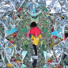 Wink by Masakazu Shirane and Saya Miyazaki. Photograph Courtesy of Masakazu Shirane and Saya Miyazaki. Miyazaki, Inspiration Wand, Origami, Mirror House, Colossal Art, Art Abstrait, Public Art, Installation Art, Art Installations