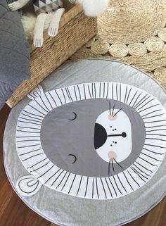 Mister Fly Lion Playmat