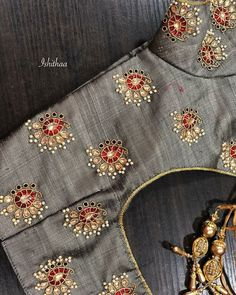 All Ethnic Customization with Hand Embroidery & beautiful Zardosi Art by Expert & Experienced Artist That reflect in Blouse , Lehenga & Sarees Designer creativity that will sunshine You & your Party Worldwide Delivery. Blouse Back Neck Designs, Pattu Saree Blouse Designs, Simple Blouse Designs, Silk Saree Blouse Designs, Bridal Blouse Designs, Zardosi Work Blouse, Maggam Work Designs, Designer Blouse Patterns, Hand Embroidery Designs