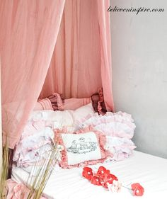 How to Make Super Easy Bed Canopy (Contemporary Beds)
