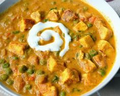 Mutter paneer masala, paneer mutter masala recipe - Paneer recipes- a spicy and delicious masala that goes well with roti or naan! Indian Paneer Recipes, Paneer Masala Recipe, Indian Food Recipes, Vegetarian Recipes, Cooking Recipes, Curry Recipes, Vegetarian Curry, Indian Side Dishes, Dinner Side Dishes