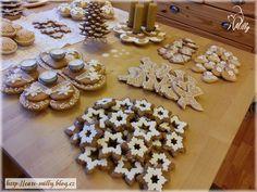 gingerbread 2015 Gingerbread Cookies, Desserts, Food, Gingerbread Cupcakes, Tailgate Desserts, Deserts, Essen, Postres, Meals