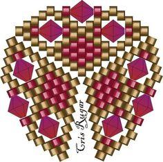 J'aime beaucoup les motifs de triangle en tissage peyote, en pendentif ils sont chic