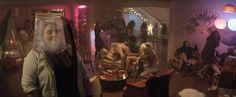 Deux ans après un premier film, Seth Rogen, Rose Byrne et Zac Efron remettent le couvert avec la sortie prochaine de Neighbors 2. Alors qu'ils pensaient être tranquilles et pouvoir vendre leur maison, le couple Radner se voit être confronté à un nouveau problème de taille. Leurs anciens voisins virulents ont fait place à une sororité que l'on pourrait croire plus calme...