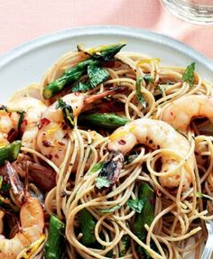 Roasted Prawn Spaghetti: It's almost too good to be true that a delicious dish like this is also approved by Dr Oz. So, enjoy without the slightest feeling of guilt!