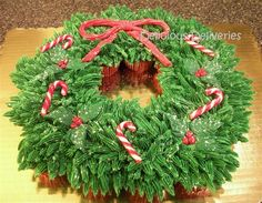 Pullapart Cupcake Wreath for Christmas