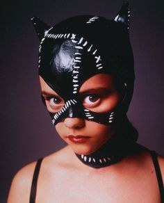 "The Look: ""Batman Returns"" - Christina Ricci as Catwoman Christina Ricci, Beautiful Christina, Seinfeld, Aquarius, Catwoman Cosplay, Alternative Makeup, Stewart, Actrices Hollywood, Grunge Hair"