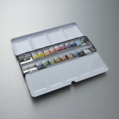 Winsor & Newton Artists' Choice Professional Water Colour Set of 18