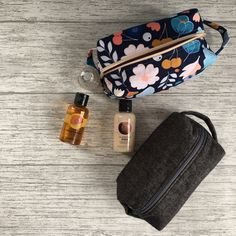 Free Sewing pattern for a boxy pouch with handles.