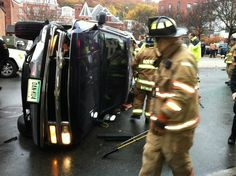 Wrong-way SUV rolls over on Franklin Street in Norwich - A sport utility vehicle traveling the wrong way on Franklin Street in Norwich hit two parked cars before rolling over and trapping the driver inside late this morning. Read more: http://www.norwichbulletin.com/article/20141106/NEWS/141109716 #CT #Norwich #Connecticut #Accident #Rollover #Police #Emergency