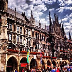 Marienplatz-The center of Munich where major public transit lines meet, includes shopping, cafes, pubs. The Pedestrian Zone is at the west end of the square and is a traffic free shopping area.
