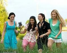 Blake Lively and co-stars in The sisterhood of the traveling pants