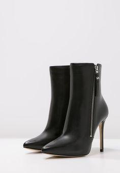 DAWSON - High Heel Stiefelette - black - Zalando.de Michael Kors, High Heels, Boots, Black, Fashion, Crotch Boots, Moda, Black People, La Mode