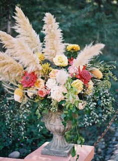 Gorgeous Pampas Grass Ideas for your Wedding   Bridal Musings Wedding Blog