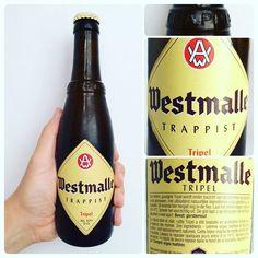 La Cerveza del Viernes: Westmalle Trappist Tripel. Sabor inicial suave y cremosa algo dulce y afrutada. Notable amargor y retrogusto final seco. Alcohol muy bien integrado.