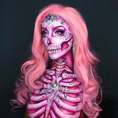 look at this nice art? Creepy Halloween Makeup, Amazing Halloween Makeup, Clown Makeup, Skull Makeup, Halloween Makeup Looks, Halloween Kostüm, Costume Makeup, Halloween Outfits, Halloween Costumes