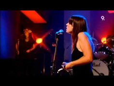 Cat Power - Lived In Bars (Live Jools Holland June 26,  2006)