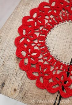 AnchorFreccia- a kit that you can use to make the jewellery - includes the chain and pattern.