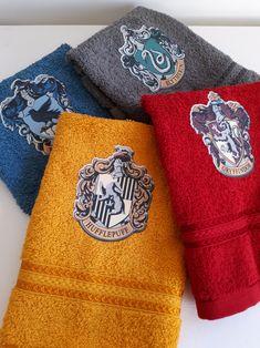 DIY Hogwarts Crests Towels!