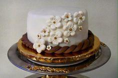 Bridal party wedding cake