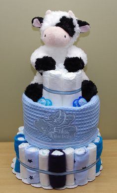 Items similar to Cow Jumped Over the Moon Diaper Cake - Unique Baby Shower Centerpiece on Etsy Cow Baby Showers, Sunshine Baby Showers, Boy Baby Shower Themes, Baby Shower Diapers, Baby Shower Gender Reveal, Baby Shower Cakes, Baby Shower Parties, Baby Boy Shower, Baby Shower Gifts