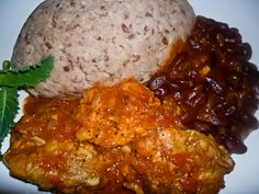"""Sadza, a heavy mash made from ground maize and water, forms the basis of every… Zimbabwe Food, Zimbabwe Recipes, Best Dishes, Food Dishes, Zambian Food, Food From Different Countries, Nigerian Food, International Recipes, Soul Food"