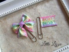 Items similar to Planner clips set, Rainbow planner clips, planner accessories on Etsy Paper Clips Diy, Paper Clip Art, Paperclip Crafts, Paperclip Bookmarks, Diy Arts And Crafts, Crafts To Make, Paper Crafts, Trombone, Diy Hair Bows