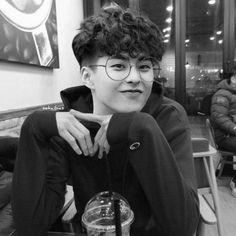 exo fluff imagines - dating kim minseok 🐱 Kim Minseok Exo, Exo Xiumin, Exo Ot12, Kpop Exo, Exo K, Park Chanyeol, Chanbaek, Wattpad, Shinee