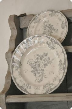Grey Houses, White Dishes, Vintage Plates, 50 Shades Of Grey, French Farmhouse, Weathered Wood, Cottage Style, Cozy Cottage, Grey And White