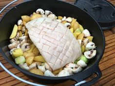 camp supplies Krustenbraten im Dutch Oven Rump Roast Recipes, Smoked Pulled Pork, Smoked Beef Brisket, Food Menu, A Food, Food And Drink, Pot Roast Beef, Oven Roast, Holland