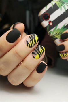 77 Stylish Simple Geometric Nail Art Designs Trendy Ideas for 2019 – Nails Archive Nail Art Designs, Nails Design, Nail Art Halloween, Nail Drawing, Geometric Nail Art, Geometric Fashion, Gel Nails At Home, Gray Nails, Nail Decorations
