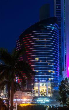We make Panama City shine. www.lasamericasgoldentower.com Facade Lighting, Bar Lighting, Lighting Design, Building Elevation, Facade Architecture, Panama City Panama, Skyscraper, Multi Story Building, Tower