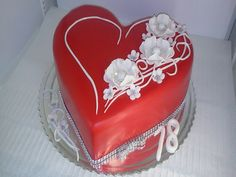 Heart Shaped Cakes, Heart Cakes, Valentines Sweets, Valentine Cake, Mini Tortillas, Just Cakes, Cakes And More, Beautiful Cakes, Amazing Cakes