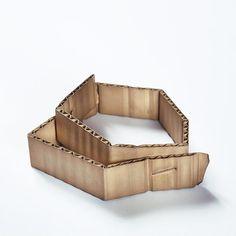 David Bielander, Wellpappe [Cardboard], 2015, bracelet, patinated silver, white