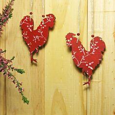 Интерьерные подвески 🐓 Red rooster hangers #петушок #интерьерныеигрушки #интерьерручнойработы #петух #годпетуха #стилькантри #стильрустик #countrydecor #countrydecor #roosterdecor #rusticstyle #rusticdecor #scandinavianstyle #simpledecor #yearofrooster #chineesenewyear