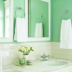 Bathroom color idea In this bungalow bathroom in Seattle, the mix of materials is limited to two colors: cool blue (which is calming and evokes natural . Bungalow Bathroom, Bathroom Spa, Small Bathroom, Master Bathroom, Bathroom Ideas, Design Bathroom, White Bathroom, Bathroom Interior, Modern Bathroom