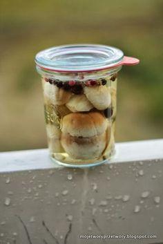 MojeTworyPrzetwory: Marynowane borowiki / Grzyby w occie Polish Recipes, Pickles, Cucumber, Nom Nom, Mason Jars, Oatmeal, Food And Drink, Canning, Breakfast