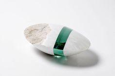 title: o.T. - wM2014Sept / size: 24 × 16 × 9 cm / medium: White marble, glass