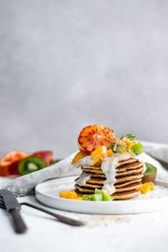 Tropical coconut pancakes (gluten-free and sugar-free) – Murielle Banackissa … Crepes, Brunch Recipes, Breakfast Recipes, Vegetarian Breakfast, Happy Pancake Day, Coconut Pancakes, Apple Smoothies, Salty Cake, Savoury Cake