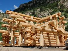 Handcrafted Western Red Cedar Log Home - Colorado USA _ Brian Moore Log Cabin Living, Small Log Cabin, Log Cabin Homes, Log Cabins, Cabins In The Woods, House In The Woods, Rustic Outdoor Spaces, Mountain Home Exterior, Timber Logs