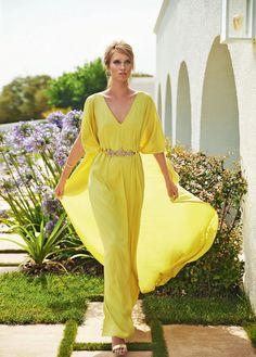 Vestidos para boda en la playa color beige