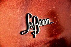 Chromeography - photos of emblems, badges, logos on cars & other objects Lettering Design, Hand Lettering, Logo Design, All Car Logos, Auto Logos, Chrysler Saratoga, Chrysler Lebaron, Ford Girl, Car Badges