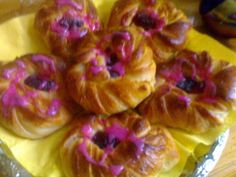 PULLAVIINERIT - Resepti | Kotikokki.net Pudding, Desserts, Food, Tailgate Desserts, Deserts, Custard Pudding, Essen, Puddings, Postres
