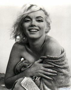 Marilyn, looking natural, beautiful, and beachy, love it!
