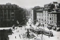 Piazza Barberini e Via del Tritone Anno: 1921 Bucharest, Times Square, Street View, Italy, Travel, Antique, Rome, Photos, Italia