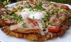 Brambory nastrouháme na hrubším struhadle. Cibulku nakrájíme na drobno, česnek prolisujeme. Všechny suroviny smícháme a vytvoříme těstíčko.... No Salt Recipes, What To Cook, Vegetable Pizza, Baked Potato, Ham, Potato Salad, Mashed Potatoes, Food And Drink, Treats