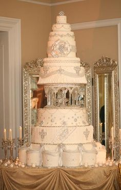 Wedding cake fit for royalty!  Enjoy RushWorld boards, WEDDING CAKES WE DO, UNPREDICTABLE WOMEN HAUTE COUTURE and MOOD BUSTERS FEEL BETTER NOW. See you at RushWorld on Pinterest! New content daily, always something you'll love!